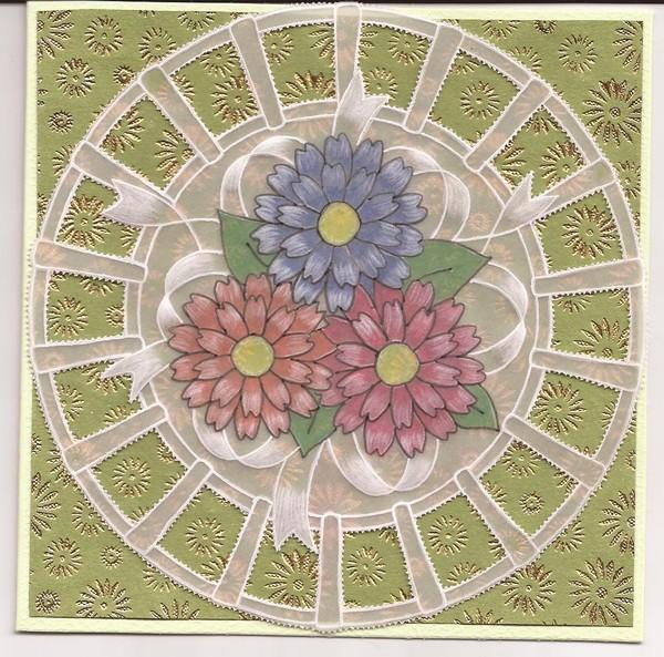 Ronde fleurie dentelle de papier
